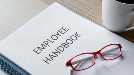 A Complete Guide to Employee Handbooks for HR Professionals