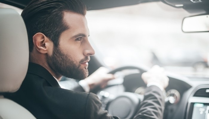 The Advantages and Disadvantages of Driving to Work
