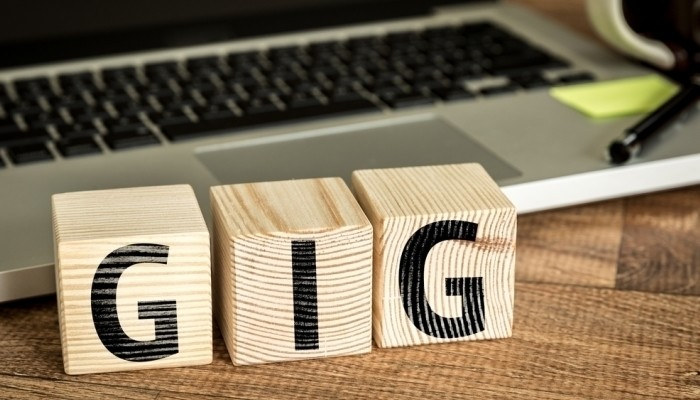 gig economy wooden blocks