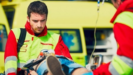 How to Become a Paramedic in the UK and the US